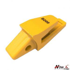 205-939-7120 Komatsu Style PC200 Bucket Teeth and Holder Adapters