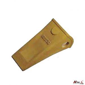 Komatsu PC300 Standard Tooth Point 9313T30